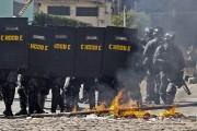 Des affrontements ont éclaté entre la police et... (Photo Miguel Schincariol, AFP) - image 2.0