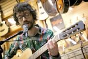 Philippe B en performance acoustique exclusive pour La... (Photo David Boily, La Presse) - image 2.0