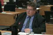 L'enquêteur de la Commission Éric Desaulniers... (Photo tirée d'une vidéo, La Presse) - image 1.0