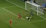 Cette action de Benzema finira au fond du... (Photo Reuters) - image 2.0