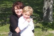 Nathan O'Brien et sa grand-mère Kathy Liknes.... (Photo fournie par la police de Calgary) - image 1.0