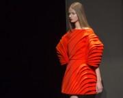 Les défilés de mode pour l'hiver prochain se sont... (Photo Jacques Brinon, AP) - image 2.0