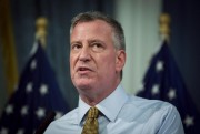 Le maire de New York Bill de Blasio... - image 1.0