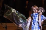 Céline Dion a accepté avec émotion un bouquet... (Photo: Ulysse Lemerise, collaboration spéciale La Presse) - image 2.0