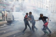 Les manifestations ont tourné au vinaigre dans les... (Photo Thibault Camus, AP) - image 2.0