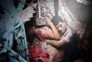 Final Embrace: L'effondrement de l'usine de vêtement du... (PHOTO TASLIMA AKHTER) - image 1.0