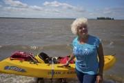 Lauraine Ouellet et son kayak, devant le lac... (Photo François Roy, La Presse) - image 1.0