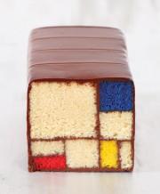 Le gâteau Mondrian concocté par Caitlin Freeman, chef... (Photo Clay McLachlan, Mondrian/Holtzman Trust, tirée du livre Modern Art Desserts) - image 2.0