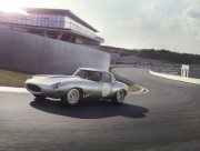 Une des reproductions de la Jaguar E-type Lightweight.... (Photo fournie par Jaguar) - image 1.0