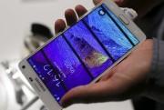 Le Galaxy Note4.... (Photo Hannibal Hanschke, REUTERS) - image 1.0