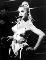 Jean Paul Gaultier a aussi créé des costumes... (Photo Time Life Pictures/Getty Images) - image 2.0