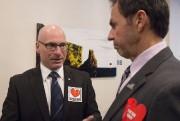 Le ministre régional Jean-Denis Girard et le maire... (Photo: Stéphane Lessard, Le Nouvelliste) - image 1.0