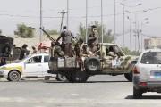 Les rebelles chiites, appelés Houthis, ont dressé des... (PHOTO KHALED ABDULLAH, REUTERS) - image 2.0
