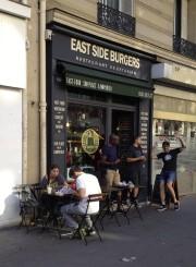 Dans le XIe arrondissement, les burgers végétariens sont... (Photo Émilie Côté, La Presse) - image 2.0