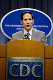 Tom Frieden lors d'une conférence de presse mardi... (Photo: AP) - image 2.0