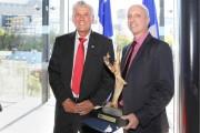 M. Dessureault accompagné de Denis Villeneuve, président de... (Photo fournie par le CRIQ) - image 2.0