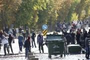 Des manifestants ont affronté les policiers turcs, hier,... (PHOTO ADEM ALTAN, AFP) - image 2.0