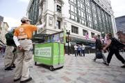 Au centre-ville de Boston, des «ambassadeurs» se promènent... (PHOTO SARAH MONGEAU-BIRKETT, LA PRESSE) - image 2.0