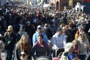 Il y avait foule au défilé dimanche.... (Sylvain Mayer) - image 1.0