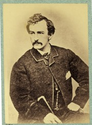 John Wilkes Booth a assassiné le président américain Abraham... (PHOTO AP/PC) - image 1.0
