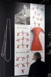 La cravate, symbole de pouvoir, se décline sous... (PHOTO FABRICE COFFRINI, AFP) - image 2.0