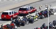 Une équipe de pompiers du comté de Arlington... (PHOTO KEVIN LAMARQUE, REUTERS) - image 3.0