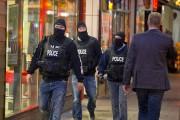 Selon divers médias, les policiers étaient toujours à... (Photo Alain Roberge, La Presse) - image 1.0