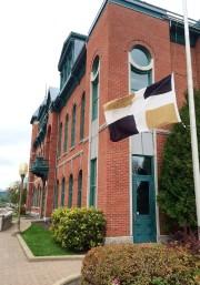 Le drapeau de Lévis est en berne jeudi.... (Photo fournie par la Ville de Lévis) - image 2.0
