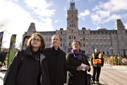 Francine Lévesque (CSN), Daniel Boyer (FTQ) et Lucie... (La Presse Canadienne, Jacques Boissinot) - image 2.0