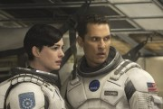 Anne Hathaway et Matthew McConaughey dans Interstellar.... (Photo: fournie par Paramount Pictures) - image 2.0