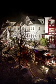 Un incendie a lourdement endommagé un immeuble à... (Imacom, Julien Chamberland) - image 1.0
