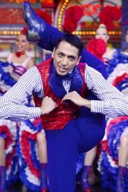Le danseur Adonis Kosmadakis a battu le record... (Photo Miguel Medina, AFP) - image 2.0