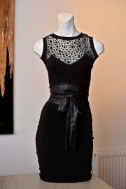 Robe (149,99 $) et ceinture (44,99 $), de... (Imacom, Frédéric Côté) - image 1.1