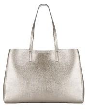 Le sac à main est un accessoire... (Photo fournie par Banana Republic) - image 5.0
