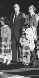 Jean Béliveau lors des cérémonies entourant le retrait... (Archives Le Soleil) - image 1.0