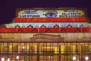 Avec l'oeuvre Fascinoscope, de Lüz Studio, la façade... (Photo: André Pichette, La Presse) - image 2.0
