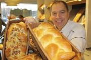 Le chef pâtissier propriétaire Alain Bolf de la... (Collaboration spéciale, Jean Soulard) - image 1.0