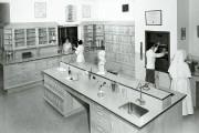 La première pharmacie de l'hôpital... (Photo fournie par les Archives de la Corporation des bénévoles de l'Hôpital Saint-François d'Assise) - image 1.0
