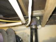 Des joints de tuyaux non étanches laissent le... (Photo fournie par CAA-Québec) - image 1.0