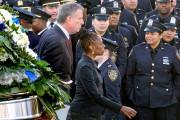 Le maire de Blasio accompagné de sa femme,... (Associated Press) - image 2.0
