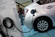 «Si la voiture électrique était moins coûteuse et... (Photo archives Bloomberg) - image 1.0