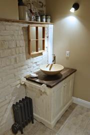 La salle d'eau du rez-de-chaussée. Un foyer désaffecté... (Photo Pascal Ratthé, collaboration spéciale) - image 3.0
