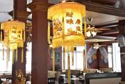 Au restaurant Fleur d'Asie, la grande salle décloisonnée... (Le Soleil, Pascal Ratthé) - image 1.0