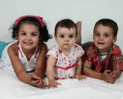 Lorélie, 5 ans, Anaïs 2 ans, et Loïc... (Archives) - image 1.0