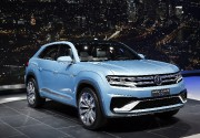 Volkswagen Cross Coupe GTE Concept  ... (Photo Paul Sancya, AP) - image 12.0