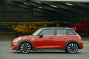 La Mini Cooper 5 portes ... (Photo fournie par Mini) - image 2.0