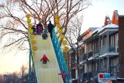 La glissade géante installée sur la 3e Avenue... (Photo Le Soleil, Yan Doublet) - image 2.0
