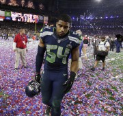 Bobby Wagner quitte le terrain après la défaite... (Associated Press) - image 1.0