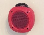 Le haut-parleur Airbeat-10 fonctionne bien sous la douche.... (Le Soleil, Yves Therrien) - image 3.0