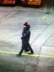 Photo du suspect prise par une caméra de... (PHOTO AFP) - image 1.0